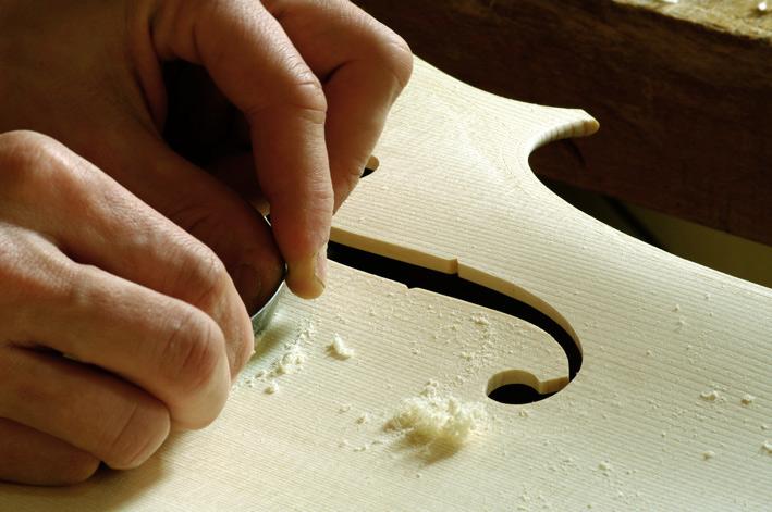 12-ratissage-nicolas-gilles-luthier-montpellier-villeneuvette-france