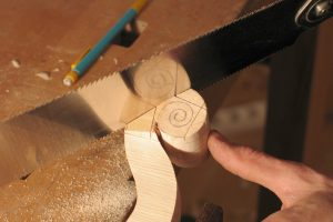 13-Sawing the scroll-nicolas-gilles-violin-maker-montpellier-villeneuvette-france