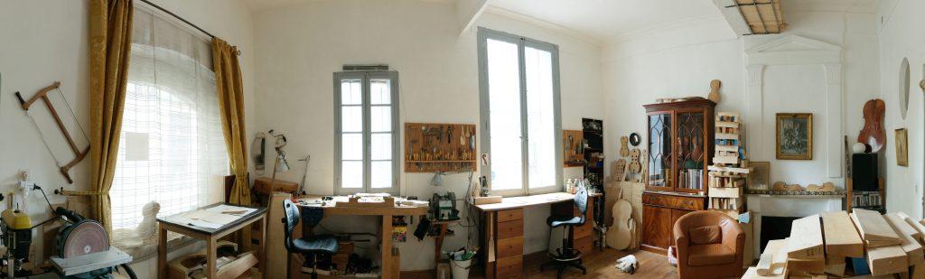 nicolas-gilles-luthier-montpellier-villeneuvette-france-atelier
