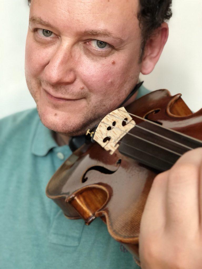 Vadim Tchijik, Toulouse, France. Professeur au CRR de Toulouse. Directeur Artistique du Festival International de Musique d'Hyères et de «L'Automne Musical du Vésinet» «Les Musicales de Saint-Martin» et «Les Heures Musicales de Binic ».
